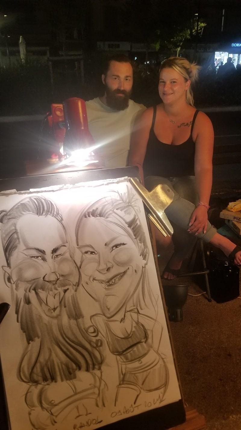 Caricature couple sur un marché nocturne