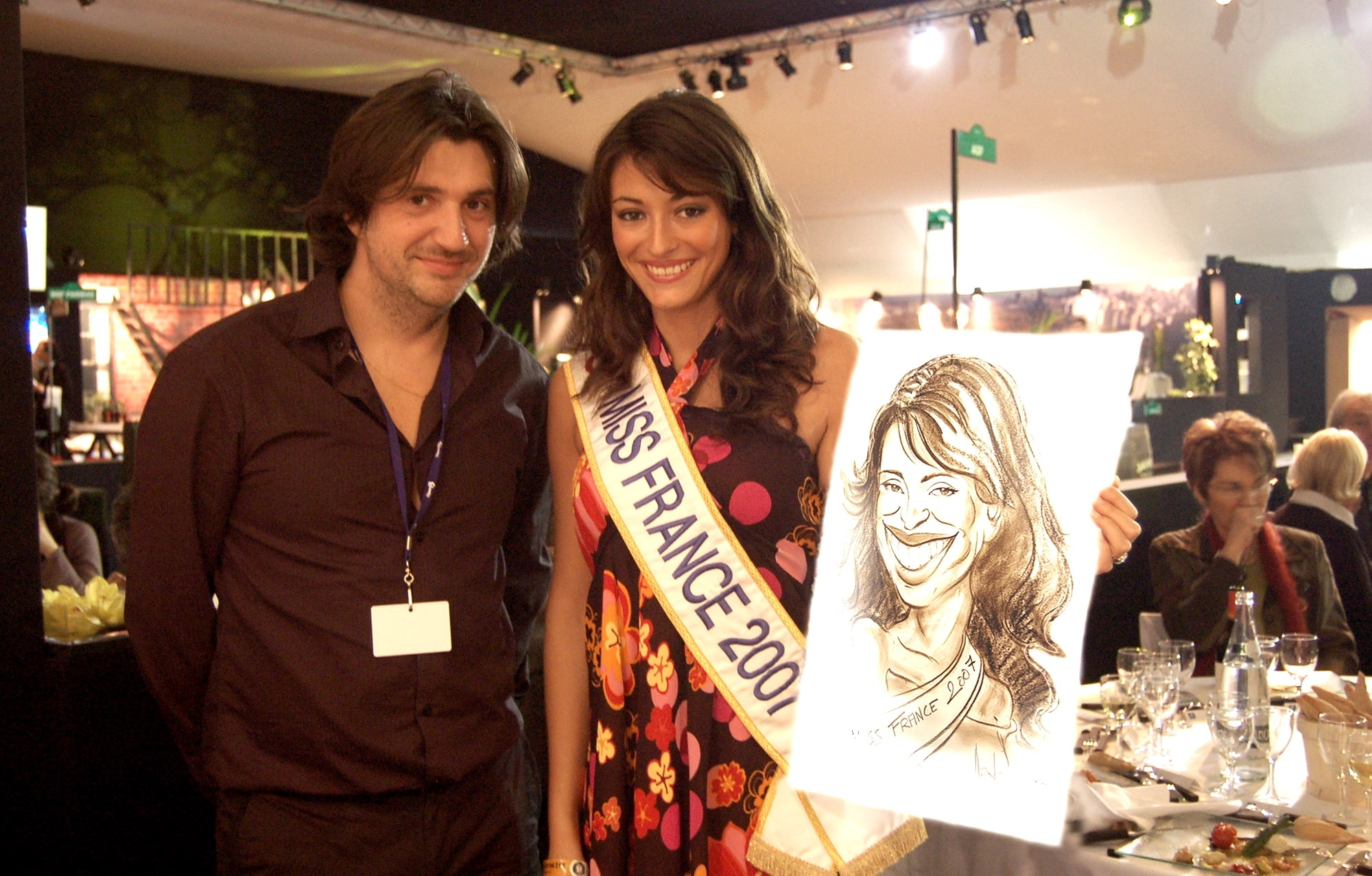 Caricature avec Miss France 2007 à l'Open 13 de Marseille