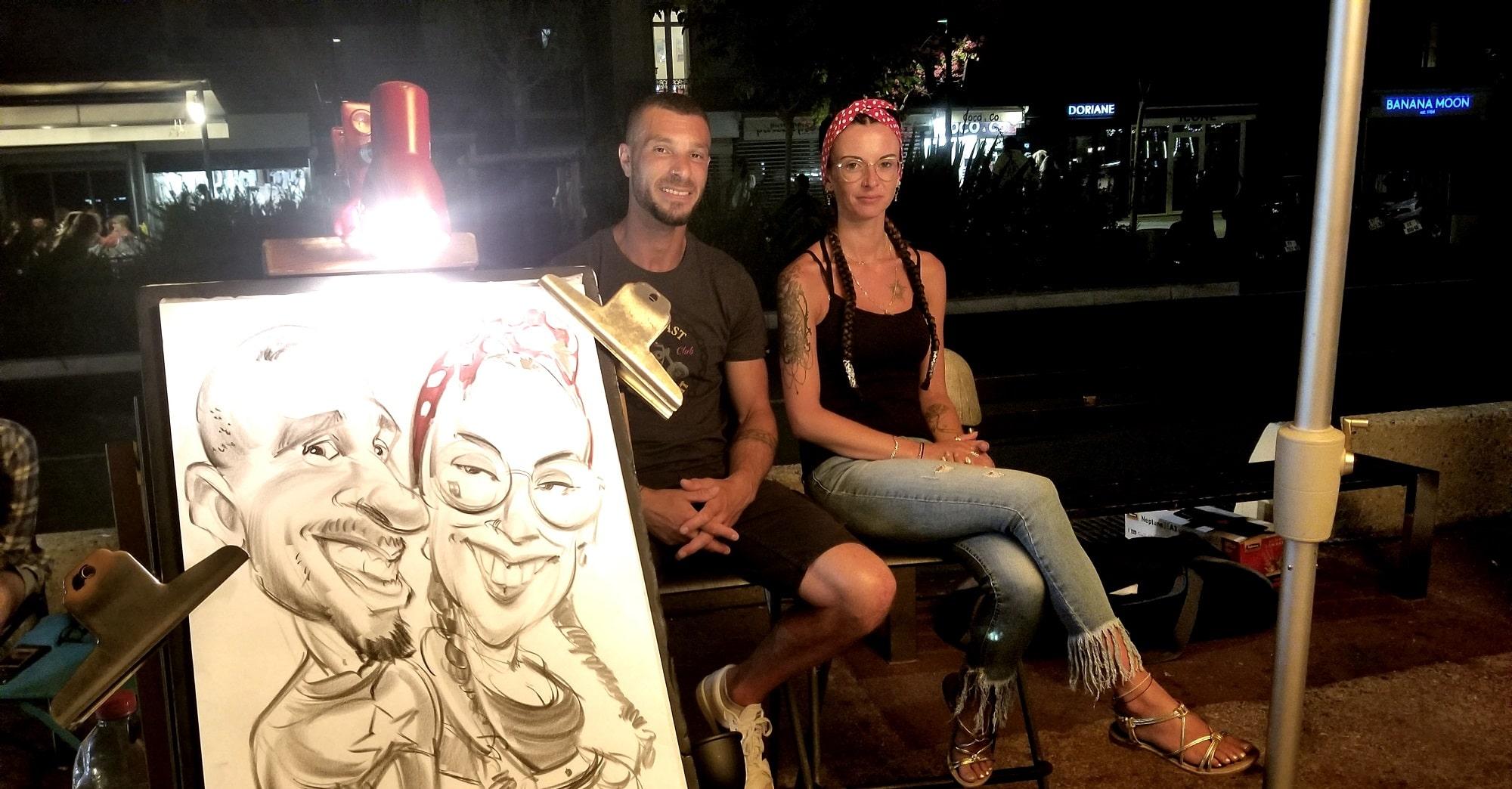 Caricature d'un couple au marché nocturne de Bandol